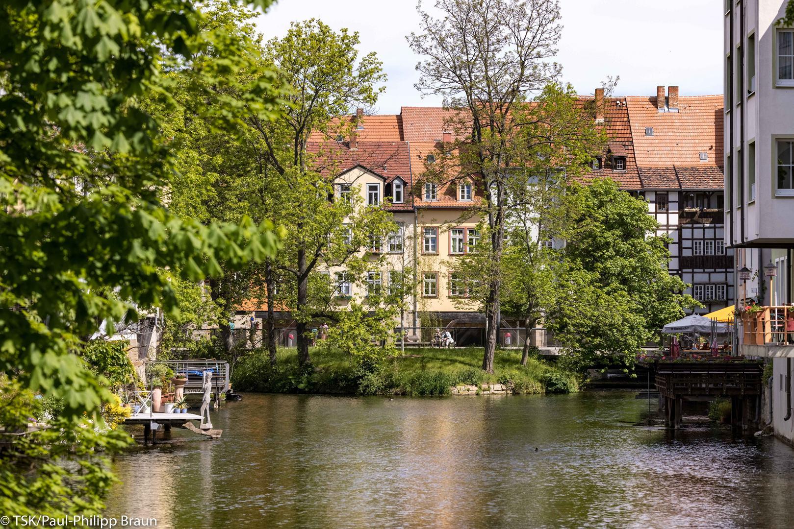 Blick von der Gera zur Krämerbrücke