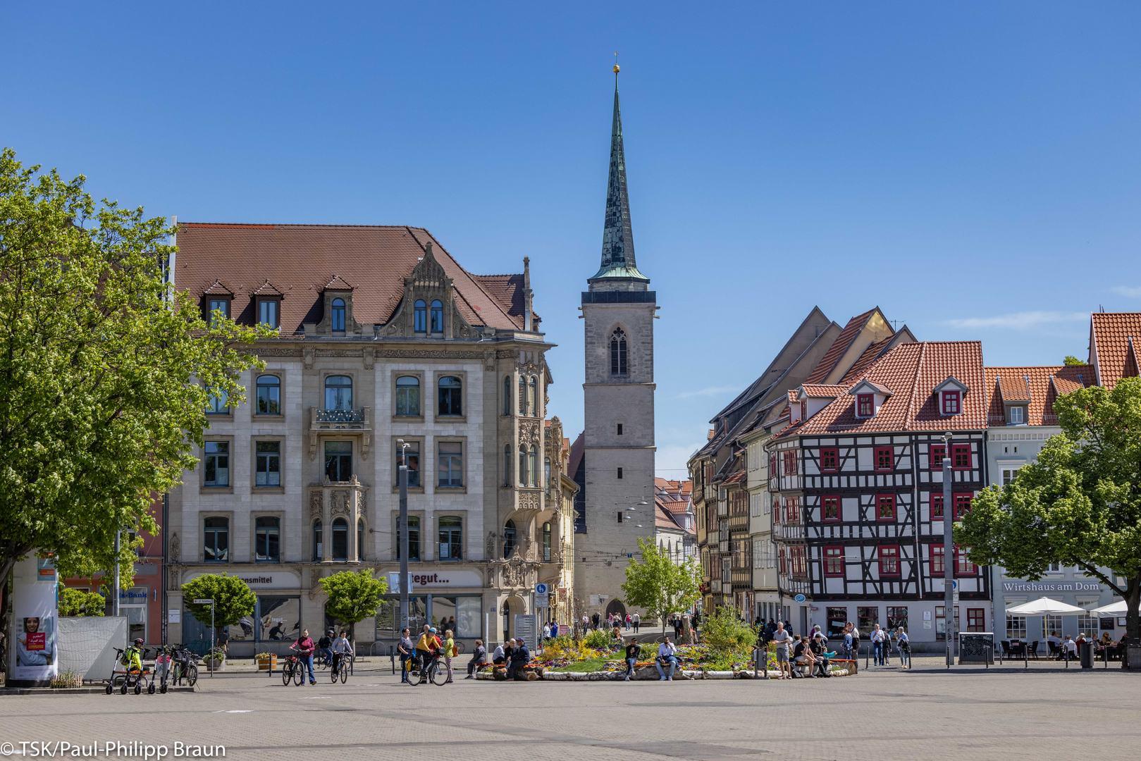 Blick auf die Allerheiligenkirche in der Marktstraße. Blick vom Domplatz aus.