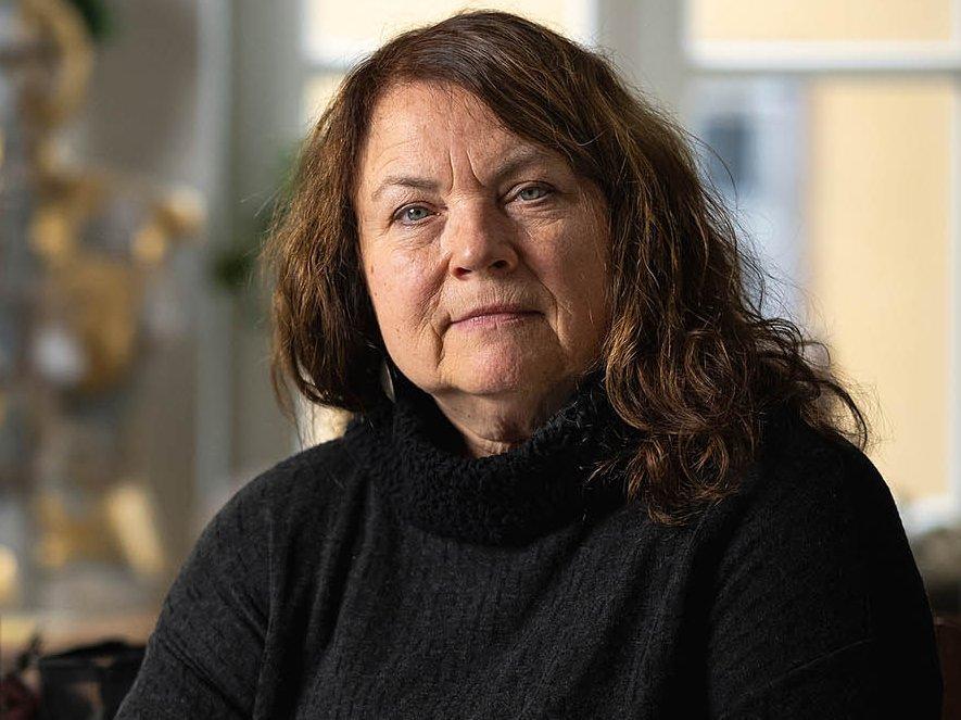 Die Künstlerin Marion Walther in ihrem Atelier