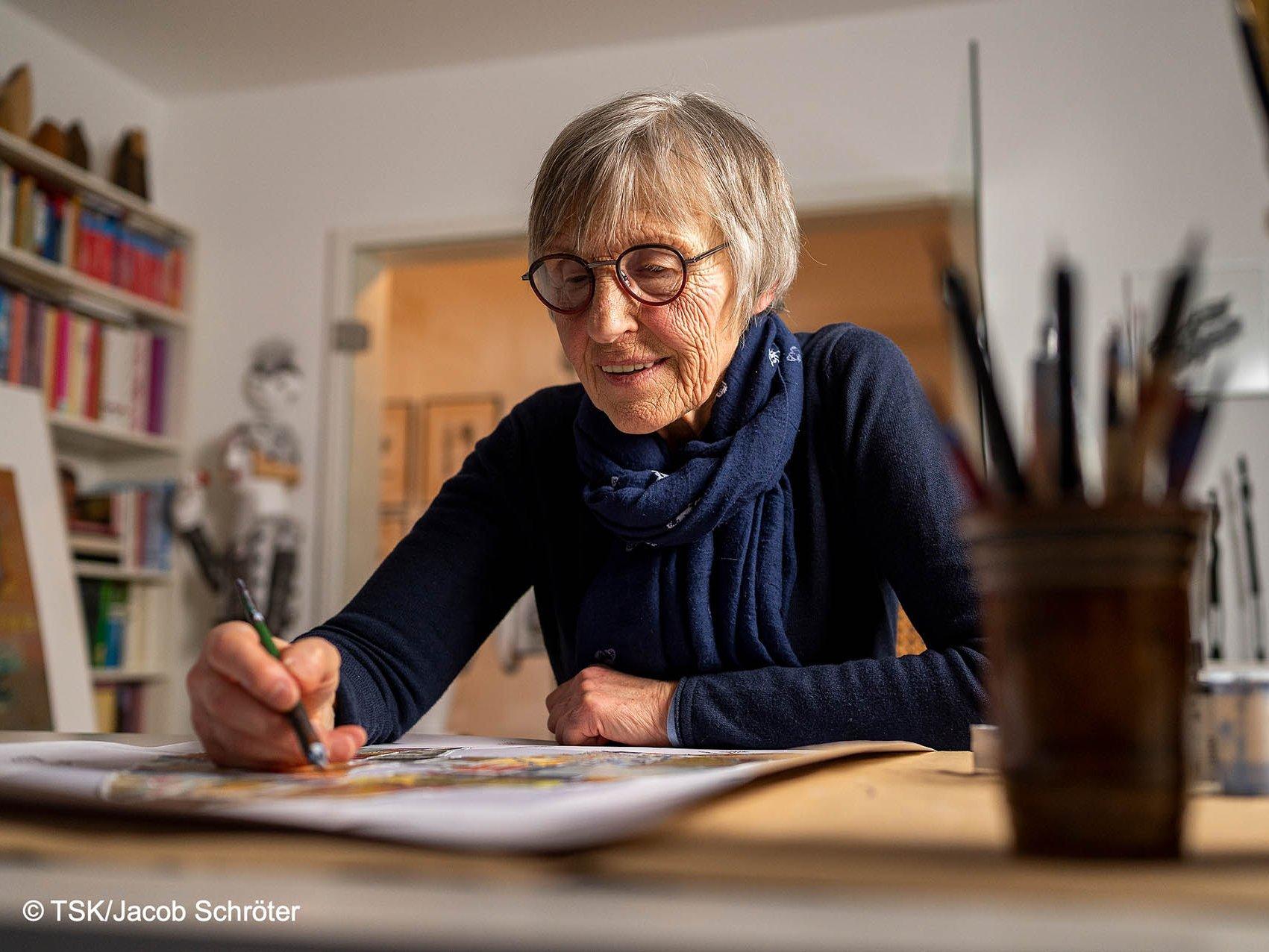 Eva Bruszis beim Malen