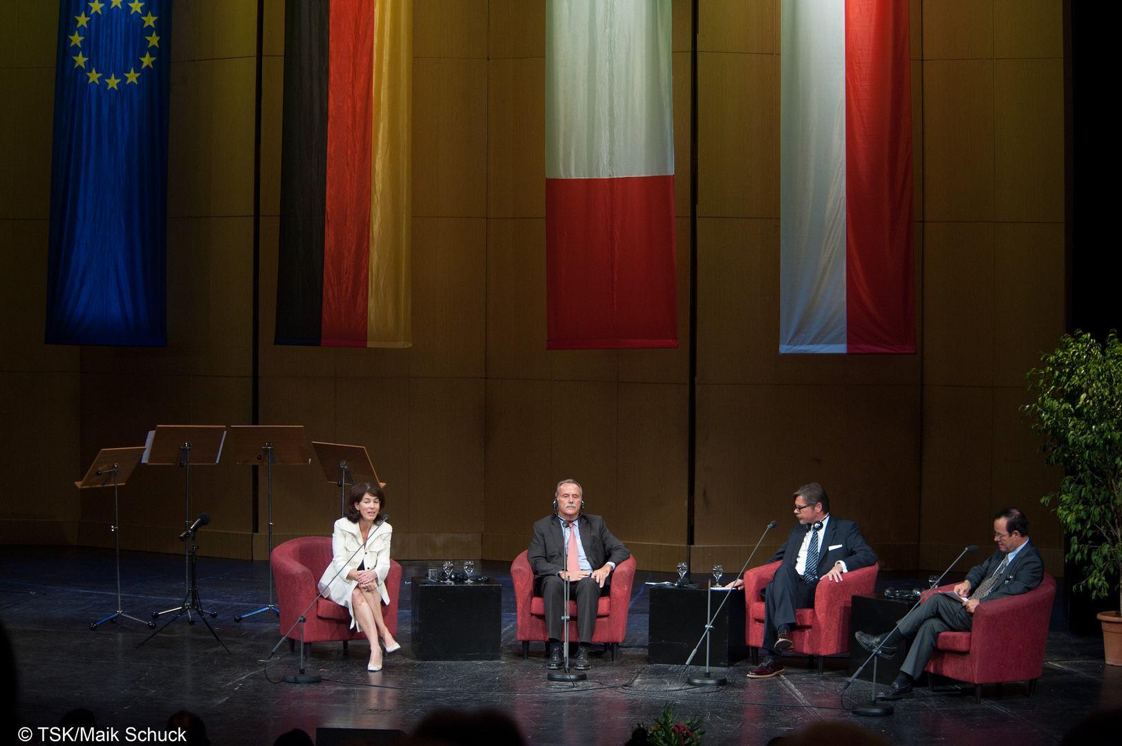 """Festveranstaltung zum 20. Jahrestag der Gründung des """"Weimarer Dreiecks"""" mit Verleihung des Adam-Mickiewicz-Preises, Deutsches Nationaltheater Weimar"""